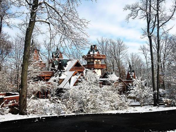 Romantic Winter Getaways in Ohio