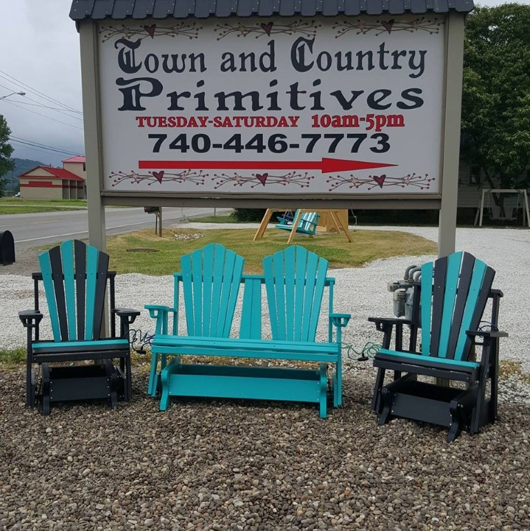 Town & Country Furniture and Primitives