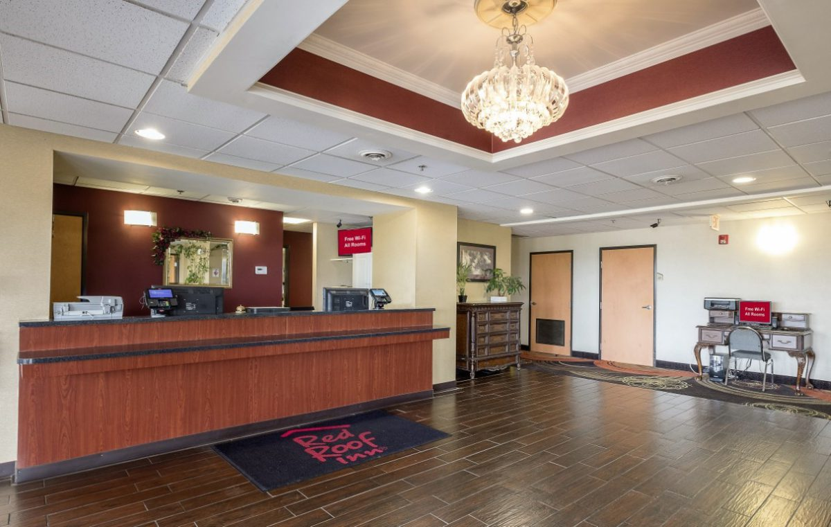 Red Roof Inn – Jackson