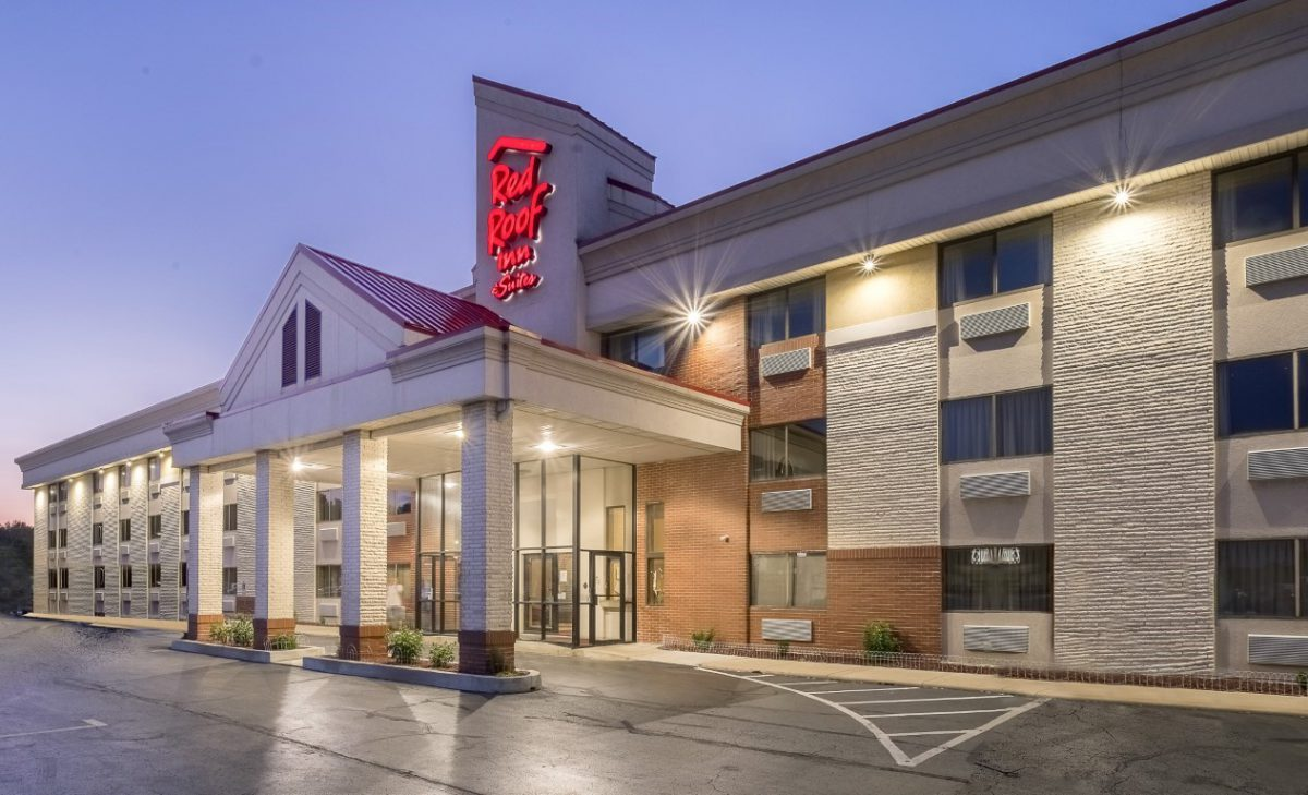 Red Roof Inn & Suites – Cleveland Elyria