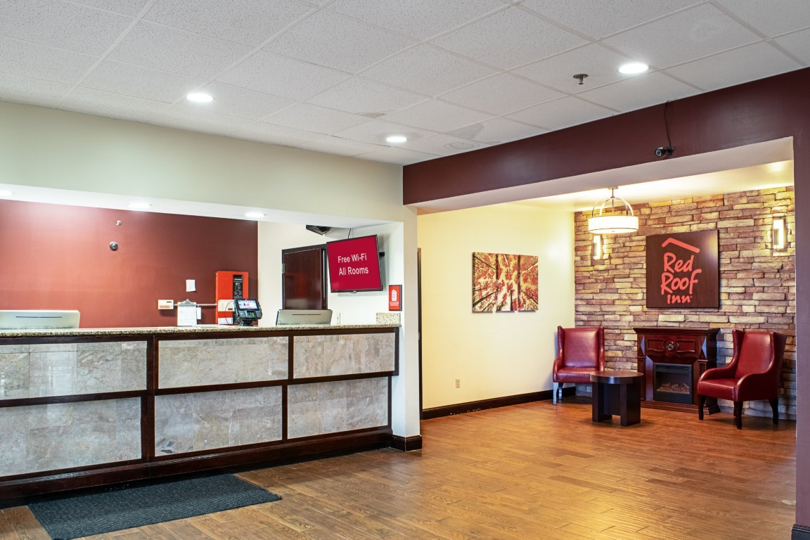 Red Roof Inn & Suites – Middletown