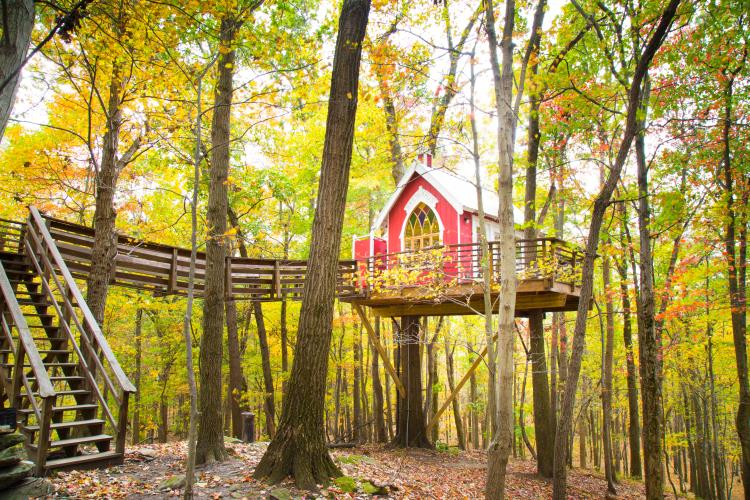 The Mohicans Wedding Venue, Cabins, and Treehouses