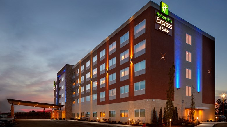 Holiday Inn Express & Suites Liberty Way